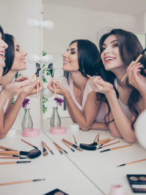 Make-up Party // © Deagreez